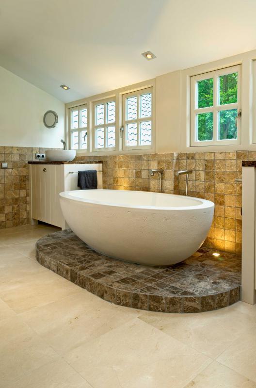 naturstein wolf badezimmer mit naturstein sind ein wellnesserlebnis. Black Bedroom Furniture Sets. Home Design Ideas