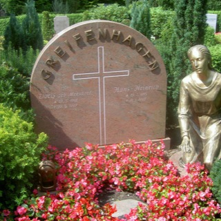 Grabstein-Friedhof-Travemünde-Steinmetz