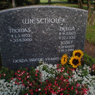 Grabstein-Steinmetz-Friedhof-Ratekau