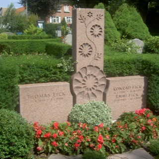 Grabstein-Steinmetz-Friedhof-Travemünde