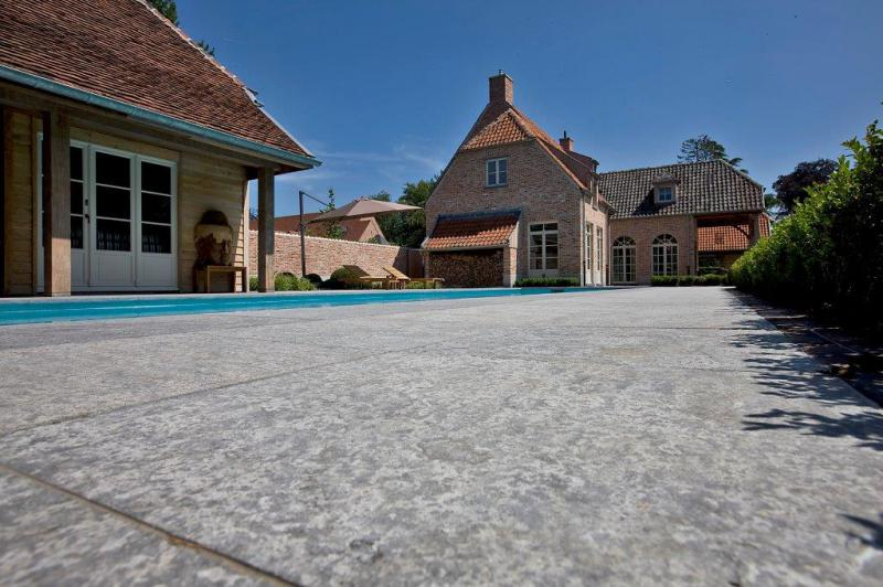 Naturstein Wolf Terrassenplatten für Ihren Garten vom
